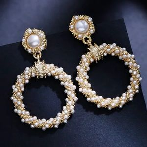 Beautiful Circle Pearl Good Tone Earrings